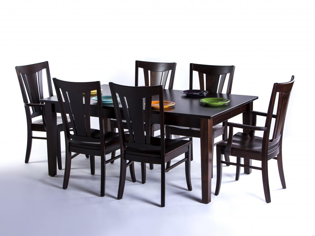 Classic Shaker Dining Table With Six Matching Chairs