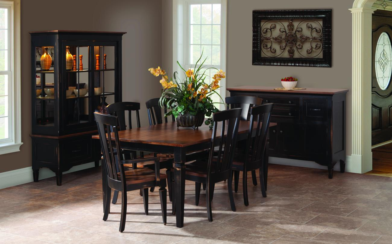 Attirant The Lexington Dining Table Has The Perfect Combination To Create A Room  That Is Casual Yet Distinctive. Beautiful Leg Detailing Enhances The Clean  Shape.